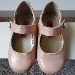 Peachy-pink girl toddler dress shoes
